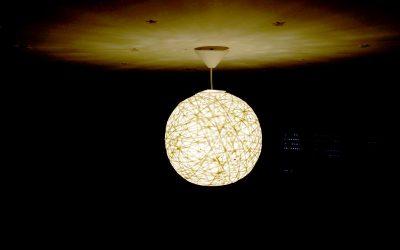 Motivationstipp: Eine selbstgemachte Lampe aufhängen!